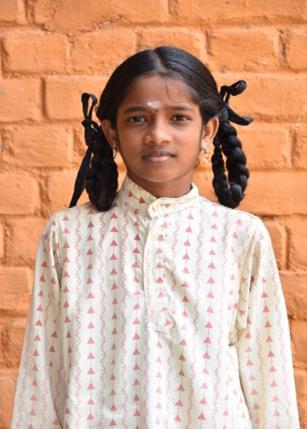 A_Banumathi wordt gesponsord door de Pranayma lessen van Yoga Kumar
